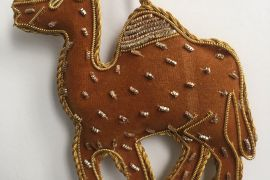 Decoration: Brown camel
