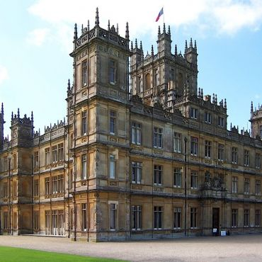 Highclere_Castle  Picture Credit Jonjames1986