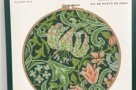Cross Stitch Kit (V&A): JH Dearle - Golden Lily