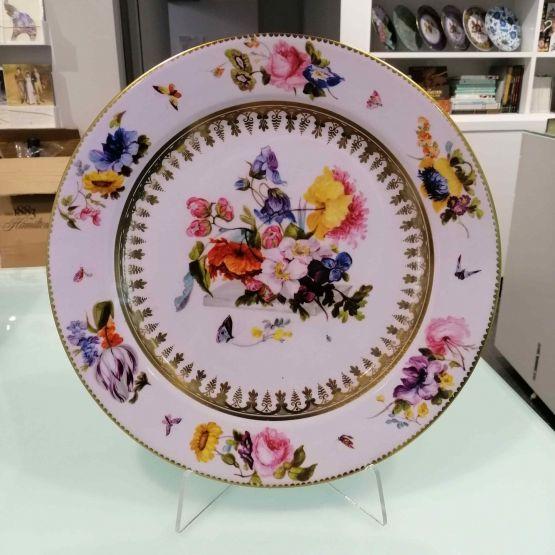 Tin Plate: V & A - White Ground