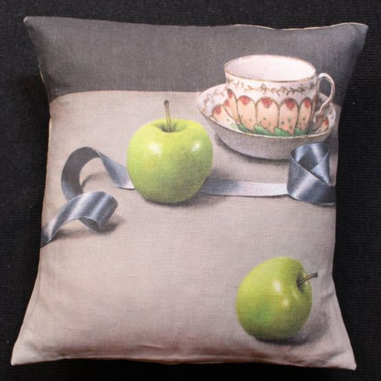 Cushion: Anita Mertzlin - Limited Edition Apple & Ribbon