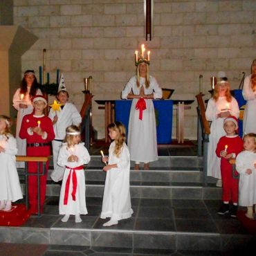 The Lucia pageant of the Swedish Club of Sarasota, St Armands Key Lutheran Church by Roger W on 9 December 2011. Creative Commons.