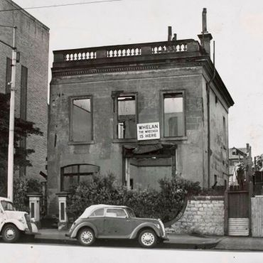 64 LaTrobe-Street
