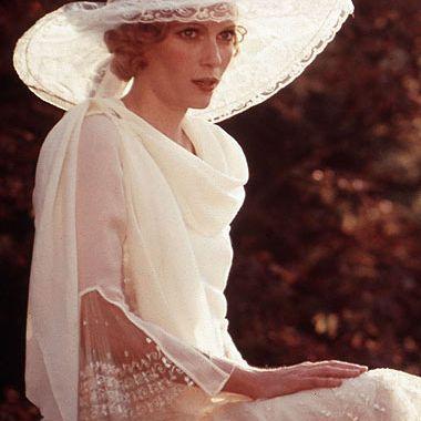 mia-farrow-daisy-buchanan-gatsby-1974