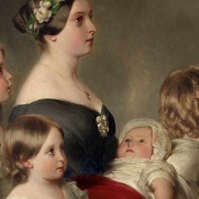 Five-daughters-of-Queen-Vic-cropjpg