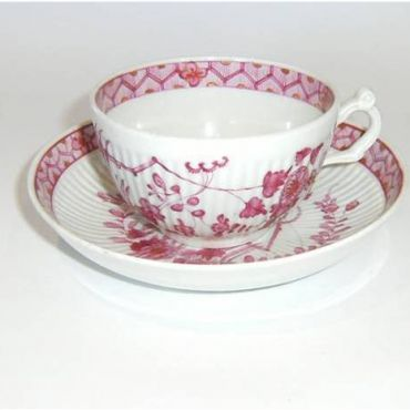 Teacup and SaucerWorcester c1772 Puce Banded Hedge